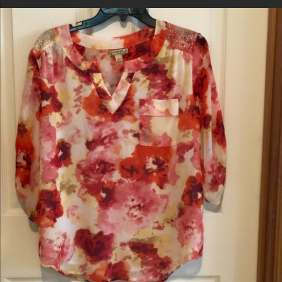 Energe World Wear Floral Top Large